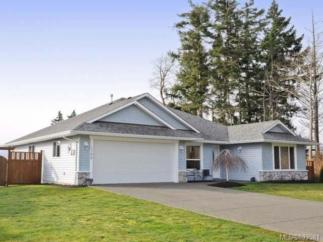 Main Photo: 1799 SPRUCE Way in COMOX: Z2 Comox (Town of) House for sale (Zone 2 - Comox Valley)  : MLS®# 633581