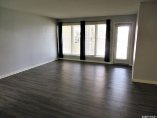 Photo 3: 111 312 108th Street in Saskatoon: Sutherland Residential for sale : MLS®# SK852333