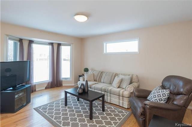 Photo 3: Photos: 16 ORIS Street in Elie: RM of Cartier Residential for sale (R10)  : MLS®# 1800701