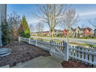 Photo 3: 21040 80 Avenue in Langley: Willoughby Heights Condo for sale : MLS®# R2561816