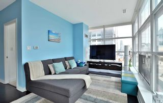 Photo 9: 208 4070 Confederation Parkway in Mississauga: City Centre Condo for sale : MLS®# W4933773