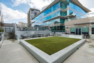 """Photo 16: 704 112 E 13TH Street in North Vancouver: Lower Lonsdale Condo for sale in """"CENTREVIEW"""" : MLS®# R2243856"""
