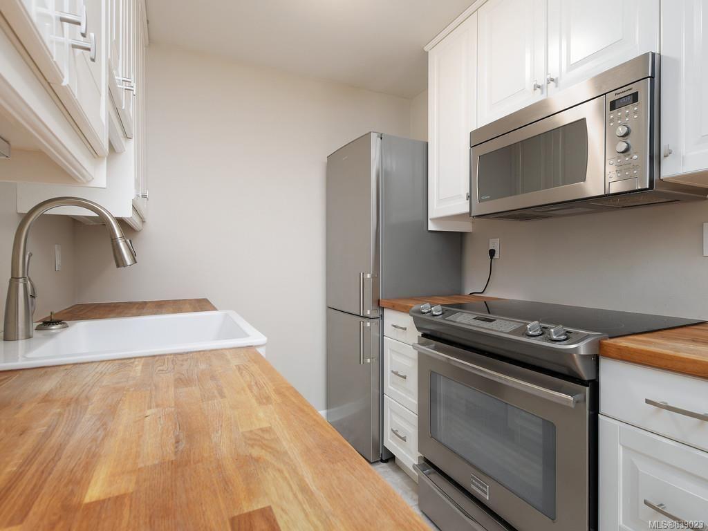 Photo 13: Photos: 203 1400 Newport Ave in Oak Bay: OB South Oak Bay Condo for sale : MLS®# 839023