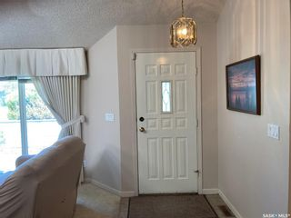 Photo 4: 9 Poplar Place in Outlook: Residential for sale : MLS®# SK856660