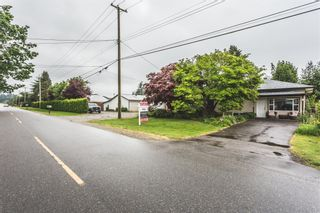 Photo 2: 858 COLUMBIA Street in Abbotsford: Poplar House for sale : MLS®# R2170775