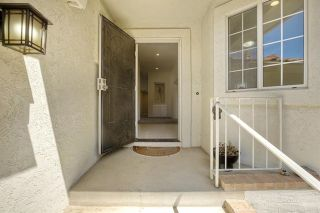 Photo 2: 331 Beaumont Ct in Vista: Residential for sale (92084 - Vista)  : MLS®# 170045073