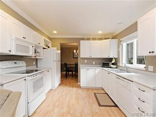 Photo 8: 6 540 Goldstream Ave in VICTORIA: La Fairway Row/Townhouse for sale (Langford)  : MLS®# 741789