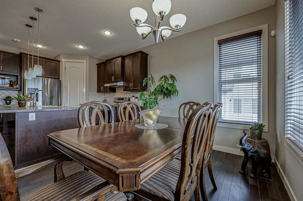 Photo 10: Photos: 200 EVERBROOK Drive SW in Calgary: Evergreen Detached for sale : MLS®# A1102109