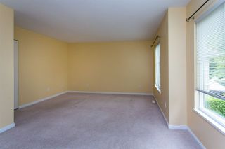"""Photo 13: 68 6465 184A Street in Surrey: Cloverdale BC Townhouse for sale in """"Rosebury Lane"""" (Cloverdale)  : MLS®# R2306057"""