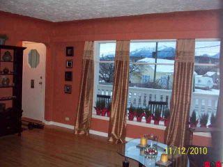 Photo 3: 45813 HENDERSON AV in Chilliwack: House for sale : MLS®# H1100168