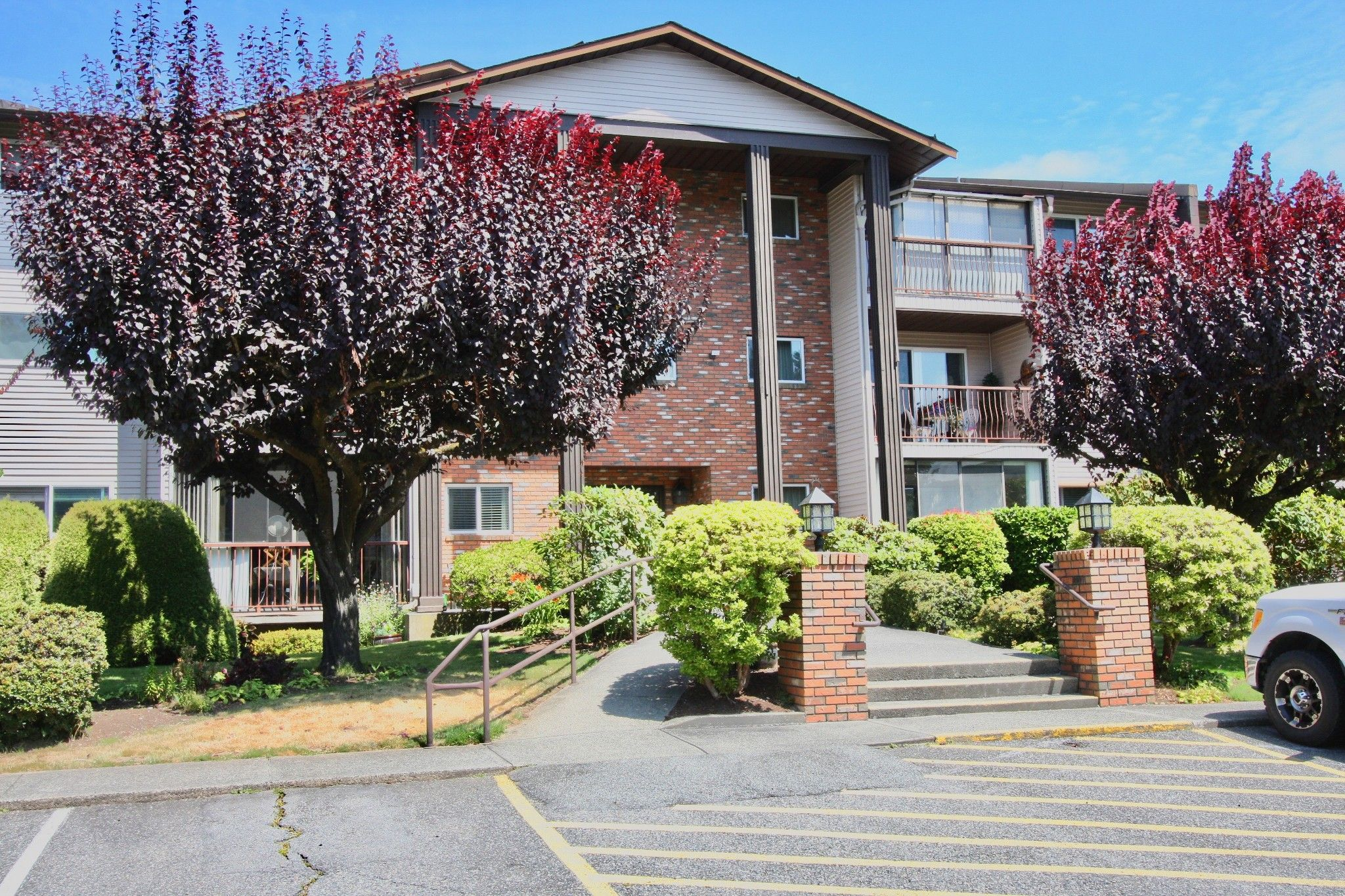 Main Photo: 210 32910 Amicus Place in Abbotsford: Central Abbotsford Condo for sale