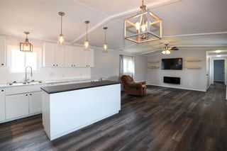 Photo 8: 14 Aspen One Drive in Steinbach: R16 Residential for sale : MLS®# 202112070