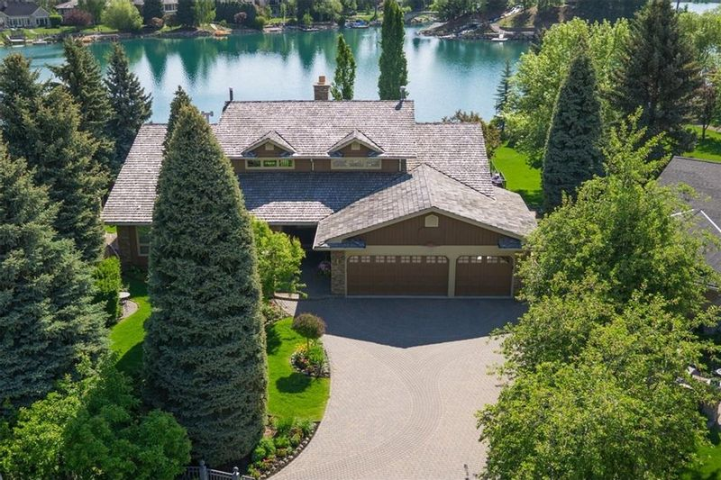 FEATURED LISTING: 120 LAKE PLACID Green Southeast Calgary