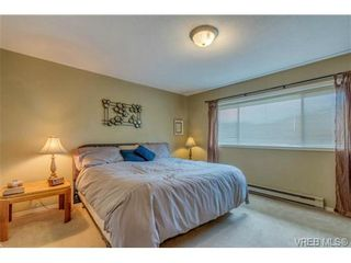 Photo 10: 1300 Layritz Pl in VICTORIA: SW Layritz House for sale (Saanich West)  : MLS®# 700701