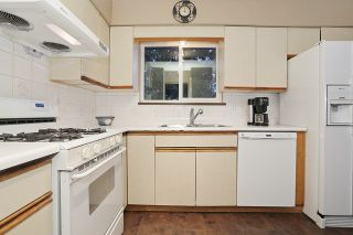 """Photo 8: 16975 JERSEY Drive in Surrey: Cloverdale BC House for sale in """"JERSEY HILLS"""" (Cloverdale)  : MLS®# R2025233"""