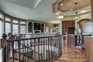 Photo 14: 251 Slopeview Drive SW in Calgary: Springbank Hill Detached for sale : MLS®# A1132385