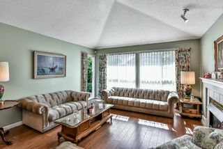 "Photo 9: 14 17917 68 Avenue in Surrey: Cloverdale BC Townhouse for sale in ""Weybridge Lane"" (Cloverdale)  : MLS®# R2206095"