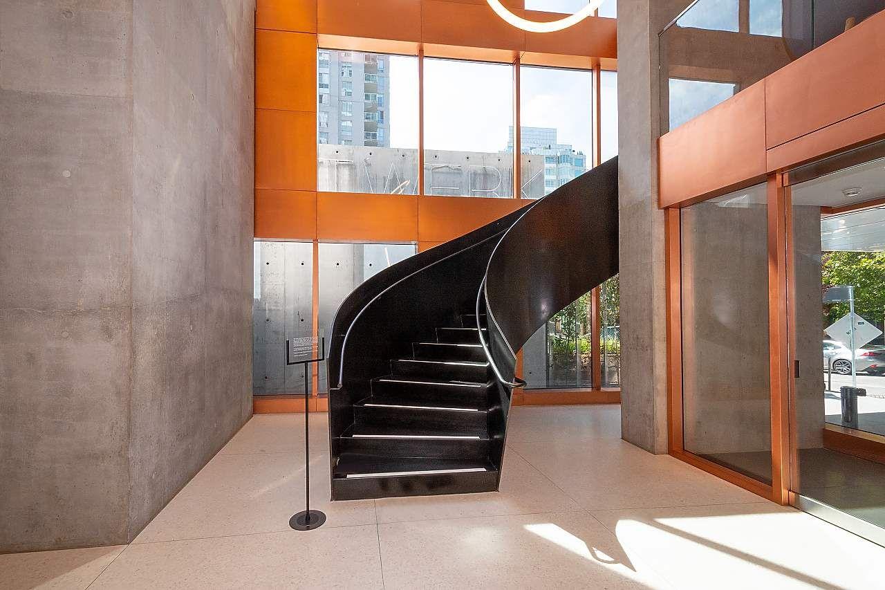 """Photo 29: Photos: 3703 1480 HOWE Street in Vancouver: Yaletown Condo for sale in """"Vancouver House"""" (Vancouver West)  : MLS®# R2527999"""