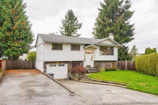 Photo 2: 15068 86A Avenue in Surrey: Bear Creek Green Timbers House for sale : MLS®# R2625576