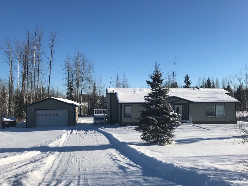 "Main Photo: 13039 HUNTER'S Lane in Charlie Lake: Lakeshore Manufactured Home for sale in ""BEN'S SUBDIVISION"" (Fort St. John (Zone 60))  : MLS®# R2298244"