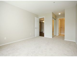 """Photo 32: 205 5556 201A Street in Langley: Langley City Condo for sale in """"Michaud Gardens"""" : MLS®# F1321121"""