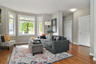 """Photo 3: 40 6575 192 Street in Surrey: Clayton Townhouse for sale in """"IXIA"""" (Cloverdale)  : MLS®# R2410313"""