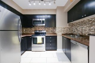 """Photo 6: 404 3668 RAE Avenue in Vancouver: Collingwood VE Condo for sale in """"RAE COURT"""" (Vancouver East)  : MLS®# R2350560"""
