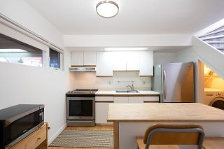 Photo 3: 50 870 W 7TH Avenue in Vancouver: Fairview VW Townhouse for sale (Vancouver West)  : MLS®# R2454998
