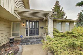Photo 2: 728 Lake Placid Drive SE in Calgary: Lake Bonavista Detached for sale : MLS®# A1111269