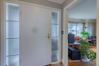 Photo 5: 1126 Lyall St in Esquimalt: Es Saxe Point House for sale : MLS®# 886359
