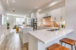 """Photo 3: 23 19239 70 Avenue in Surrey: Clayton Townhouse for sale in """"Clayton Station"""" (Cloverdale)  : MLS®# R2436722"""