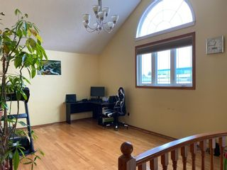 Photo 2: 2806 Catalina Boulevard NE in Calgary: Monterey Park Detached for sale : MLS®# A1130683