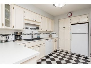 """Photo 3: 257 32691 GARIBALDI Drive in Abbotsford: Abbotsford West Townhouse for sale in """"Carriage Lane"""" : MLS®# R2479207"""