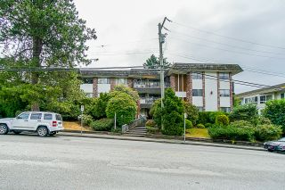 "Photo 2: 203 1330 MARTIN Street: White Rock Condo for sale in ""The Coach House"" (South Surrey White Rock)  : MLS®# R2382473"
