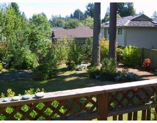 """Photo 8: 560 OCEANVIEW Drive in Gibsons: Gibsons & Area House for sale in """"WOODCREEK PARK"""" (Sunshine Coast)  : MLS®# V672375"""