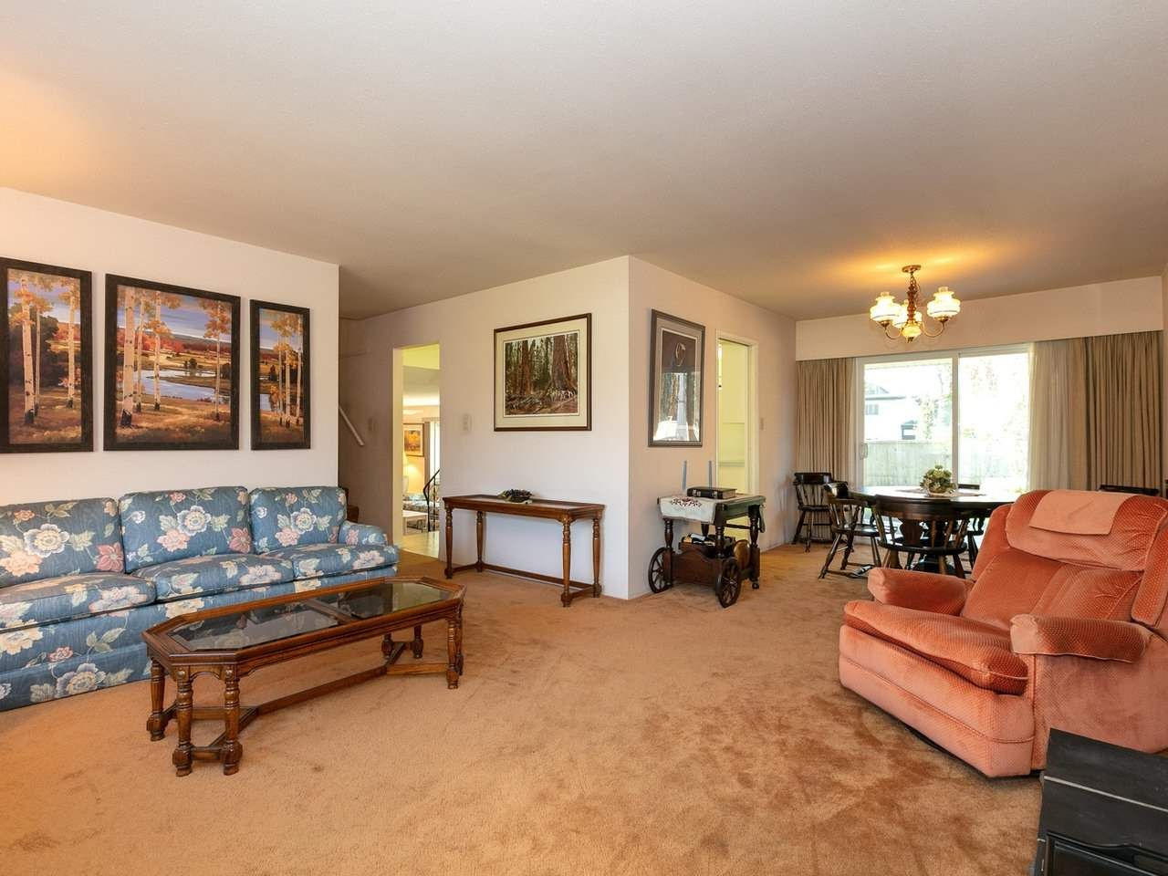 Photo 5: Photos: 1422 GROVER Avenue in Coquitlam: Central Coquitlam House for sale : MLS®# R2568207