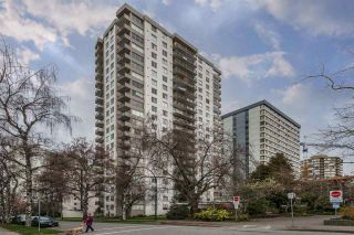 """Photo 2: 302 1251 CARDERO Street in Vancouver: Downtown VW Condo for sale in """"SURFCREST"""" (Vancouver West)  : MLS®# R2352438"""