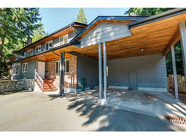 Main Photo: 1010 Strathaven Drive in North Vancouver: Northlands House for sale : MLS®# V1078344