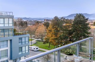 Photo 3: 604 1425 W 6TH AVENUE in Vancouver: False Creek Condo for sale (Vancouver West)  : MLS®# R2447311