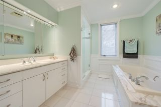 Photo 33: 192 QUESNELL Crescent in Edmonton: Zone 22 House for sale : MLS®# E4230395
