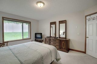 Photo 15: 13 Strathearn Gardens SW in Calgary: Strathcona Park Semi Detached for sale : MLS®# A1114770