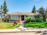 Main Photo: 1708 Suffolk Street SW in Calgary: Scarboro/Sunalta West Detached for sale : MLS®# A1138445