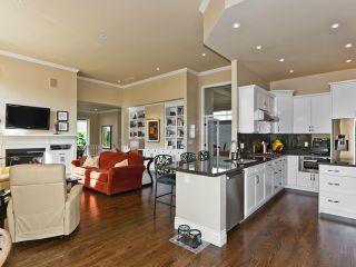 "Photo 2: 3326 CANTERBURY DR in SURREY: Morgan Creek House for sale in ""MORGAN CREEK"" (South Surrey White Rock)  : MLS®# F1318570"