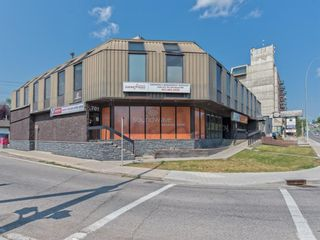 Photo 2: 701 14 Street NW in Calgary: Hillhurst Mixed Use for sale : MLS®# A1128858