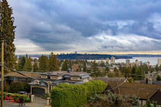 Photo 2: 2259 NELSON Avenue in West Vancouver: Dundarave House for sale : MLS®# R2146466