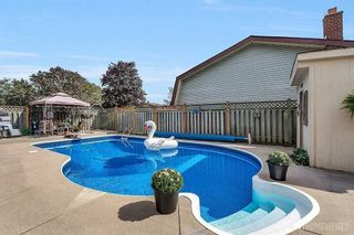 Photo 14: 39 Michael Boulevard in Whitby: Lynde Creek House (Bungalow) for sale : MLS®# E4846116