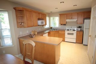 """Photo 5: 5159 223B Street in Langley: Murrayville House for sale in """"Hillcrest"""" : MLS®# R2171418"""