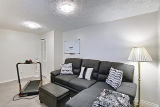 Photo 35: 787 Kingsmere Crescent SW in Calgary: Kingsland Row/Townhouse for sale : MLS®# A1108605