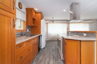 Photo 4: 15 2911 Sooke Lake Rd in Langford: La Goldstream Manufactured Home for sale : MLS®# 883967