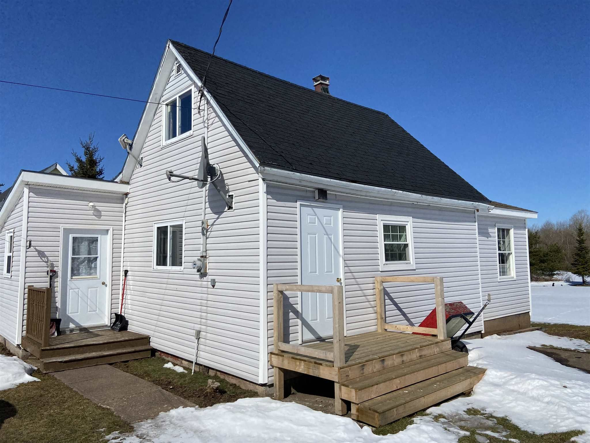 Main Photo: 8 Pump House Road in Granton: 108-Rural Pictou County Residential for sale (Northern Region)  : MLS®# 202104110